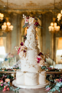 "<img alt=""Enduring Glamour luxury wedding cake by Yevnig Davis from Unique Cakes by Yevnig"">"