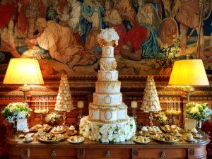 """<img alt=""""Regina Lux dessert table by Yevnig Davis from Unique Cakes by Yevnig"""">"""