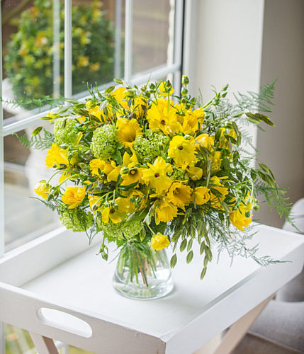 "<img alt=""large bouquet with yellow flowers"">"